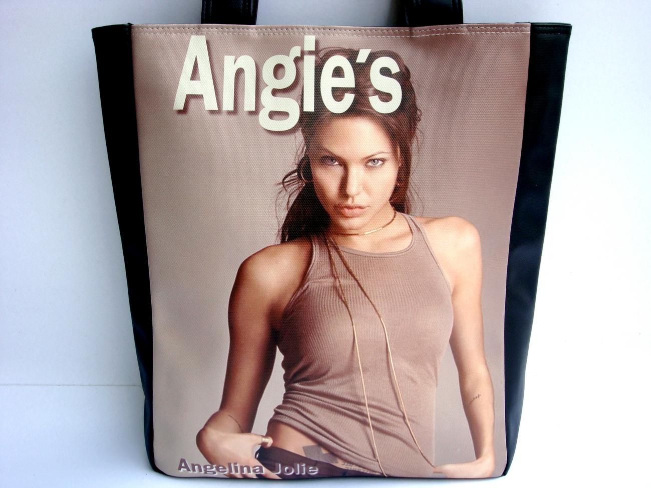 Angelina jolie d
