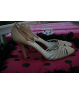 Banana Republic Italy Women's Shoes Heels Cream Off White Textured Size 10M - $39.99