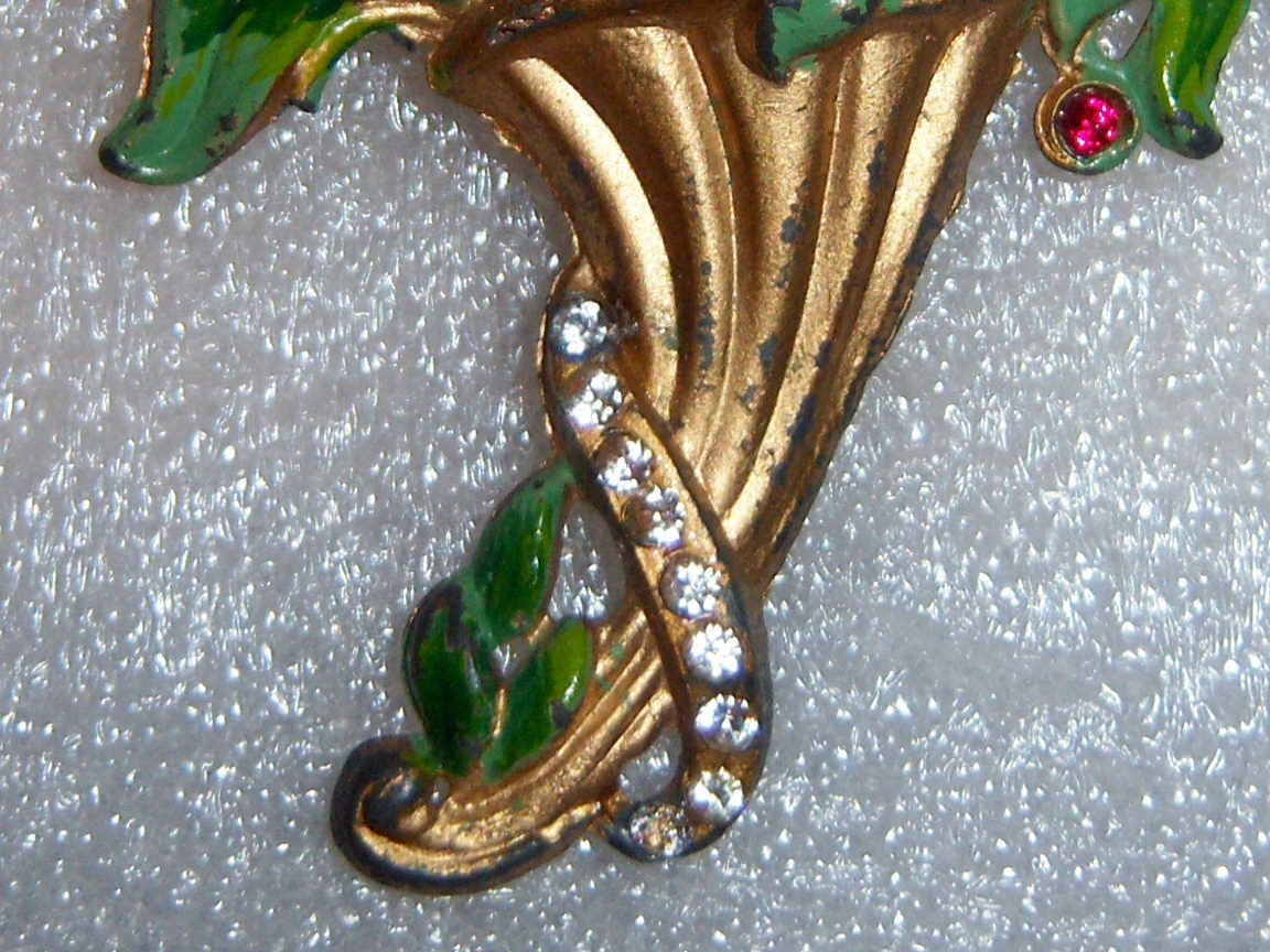 Vintage Flower Bouquet Brooch. Early Vintage Floral Brooch In Enamel.