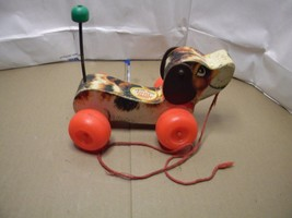 VINTAGE LITTLE SNOOPY FISHER PRICE PULL TOY  - $9.85