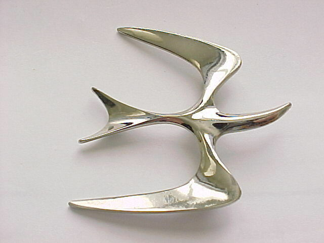 Primary image for Sarah Coventry Soaring Bird Seagull Barn Swallow Vintage Silver Toned Brooch Pin