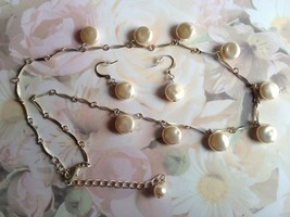 Vintage Ivory Flat Beaded Necklace Set With Dro... - $9.99
