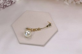 NEW Authentic Christian Dior 2019 CD CRYSTAL LOGO HEART DANGLE STAR Earrings image 13