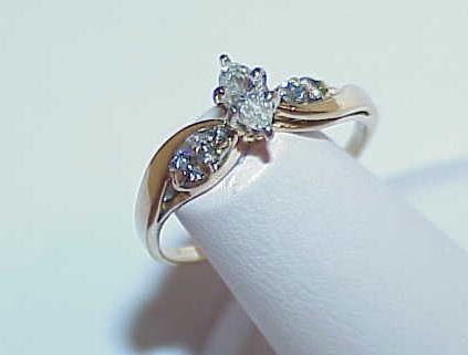 Primary image for 14K .25ct 5 Diamond Marquise Solitaire Ring Yellow Gold Sz 7