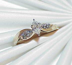 14K .25ct 5 Diamond Marquise Solitaire Ring Yellow Gold Sz 7