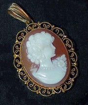 18K Cameo Brooch Pin Pendant Filligree Yellow Gold Estate Vintage - $639.99