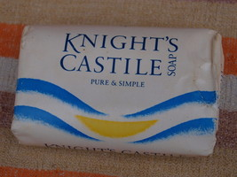 VINTAGE SOAP KNIGHT'S CASTLE  MADE IN ENGLAND ABOUT 1980 NOS - $9.88
