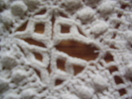 Vintage - Diamond / Popcorn Crochet Throw image 3