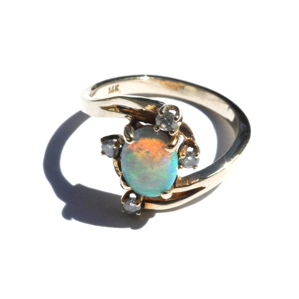 Genuine Opal Diamond Ring 14K Yellow Gold Size 5 1/2