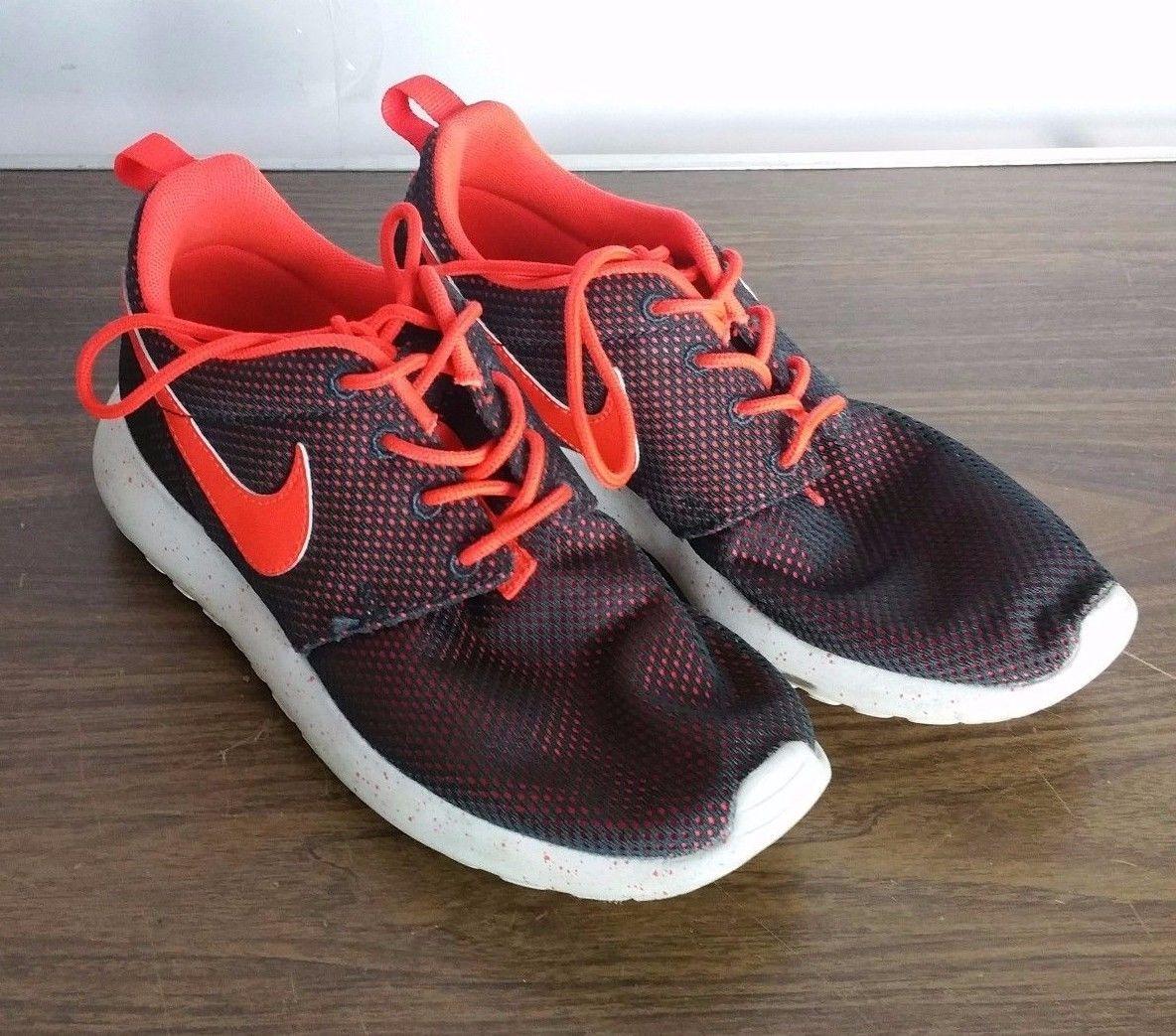NIKE ROSHE RUN GS 599728 001 Youth Boys Size 6.5 Running