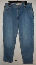 Levi's 550 Classic Relaxed Tapered Jeans Women's 16 M (35 x 30) - $14.99