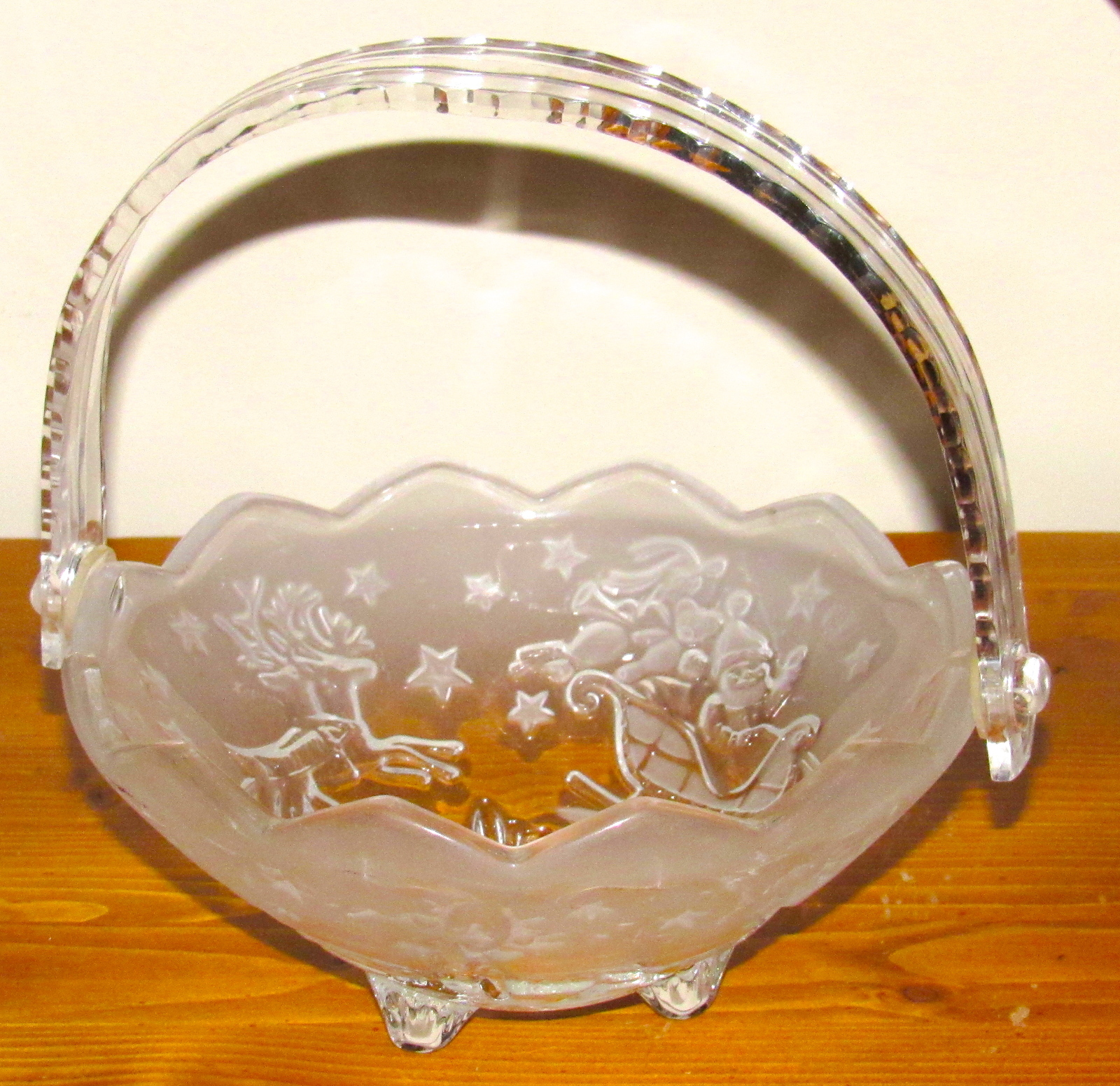 Mikasa Frosted Santa Sleigh and Reindeer Handled Basket Glass footed Candy Dish