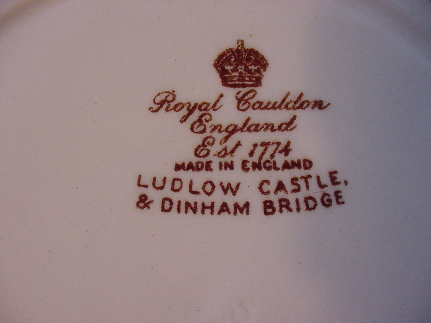 Royal Cauldron England Ludlow Castle Dinham Bridge Plate 9 3/4""