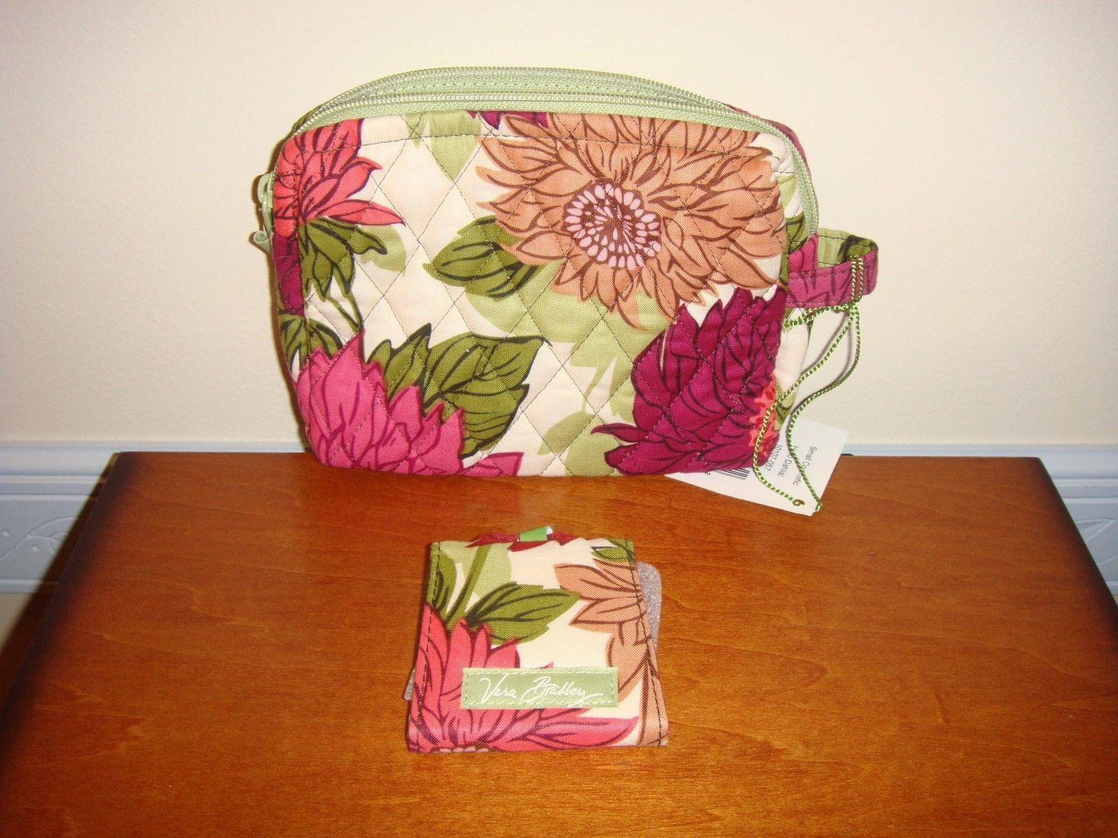 Vera Bradley Hello Dahlia Small Cosmetic And Two Way Mirror