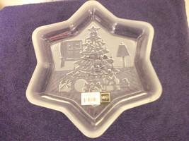 Mikasa Glass Star Shaped Holiday Design Candy Dish Christmas New Pretty - $18.68
