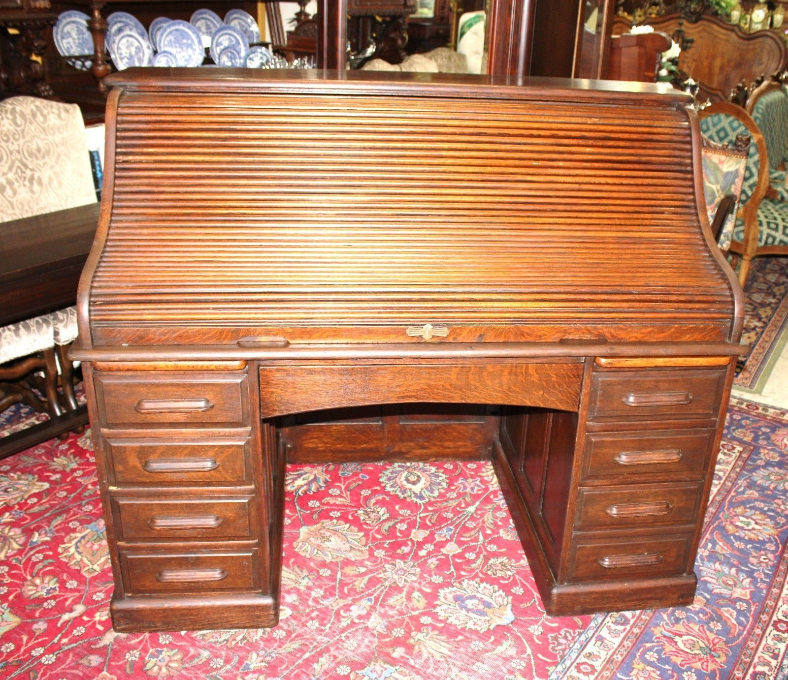 Beautiful American Antique Oak Roll Top desk.