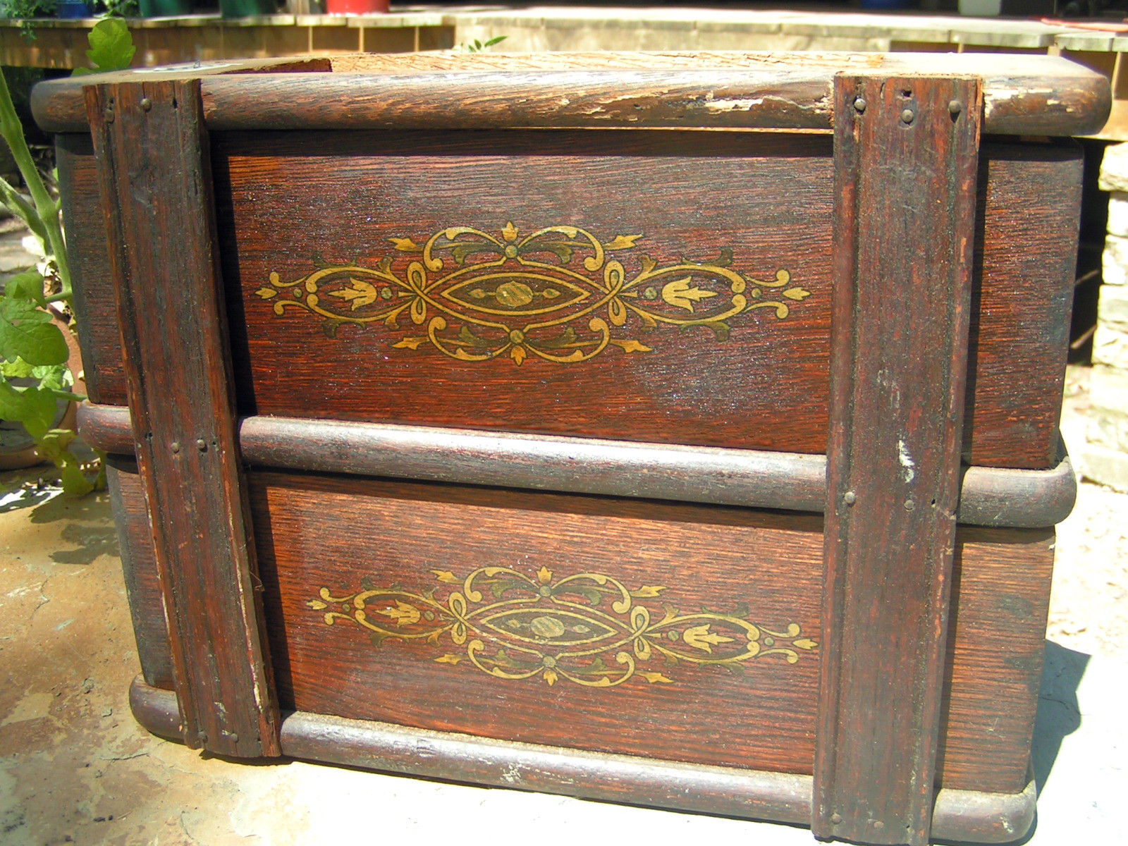 Antique Treadle Sewing Machine Wooden 2 Drawer s WITH Housing 2088 BZ