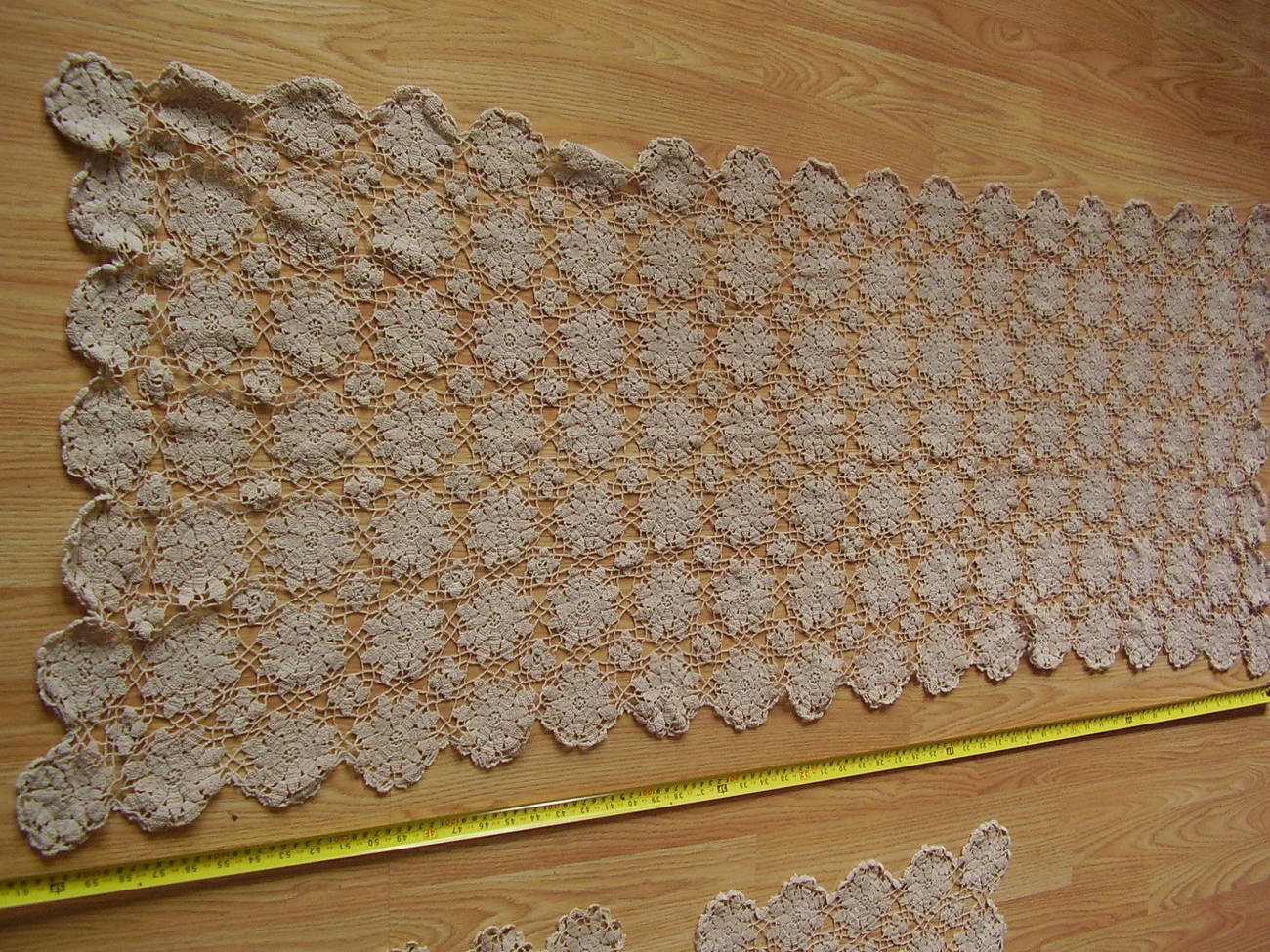 Vintage - Table Runner and placemats (2)