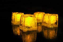 Set of 4 Litecubes Jewel Color Tinted Topaz Yellow Light up LED Ice Cubes - $11.65 CAD
