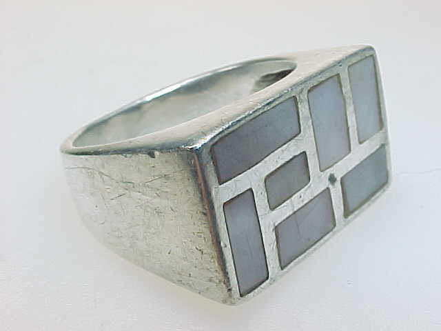 MOTHER of PEARL Vintage Ring in STERLING Silver - PINK - Size 7
