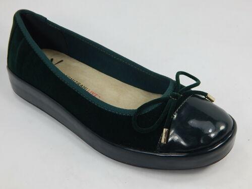 Isaac Mizrahi Live! Rakel2 Size 6 M Women's Velvet Patent Leather Slip-On Flats - $44.54