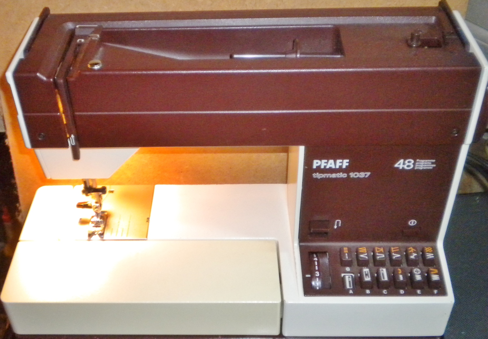 Thread Take Up Lever Pfaff Home Sewing machine 7560 7570 1010-1037 1151 others