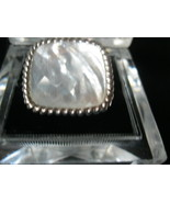 MOTHER of PEARL Vintage RING set in Sterling Silver - Size 5 - BIG and BOLD - €42,17 EUR