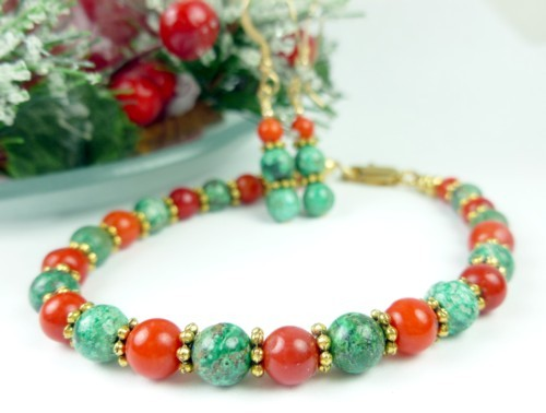Green_chrysocolla_red_coral_beaded_christmas_holiday_bracelet_earring_0314b766_1_