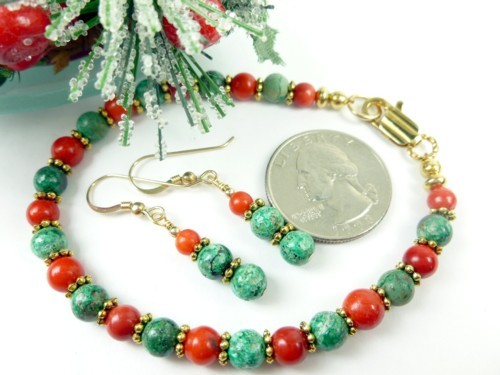 Green_chrysocolla_red_coral_beaded_christmas_holiday_bracelet_earring_ab637035_1_