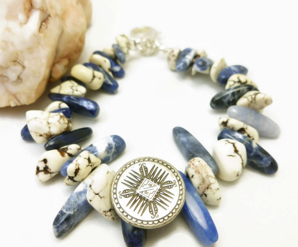 "Natural Howlite Sodalite Nugget Southwest Beaded Bracelet 7.5"" to 8"""