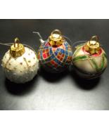 Enesco Festivities 2002 Three Ball Ornament Shaped Card Holders Original... - $9.99
