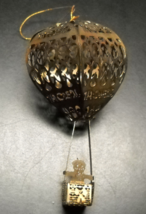 Gold 'N Brass Christmas Ornament 1983 SNP Santa In Hot Air Balloon Hong ... - $10.99