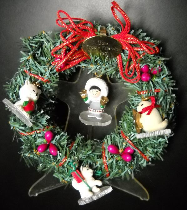 Primary image for Hallmark Keesapke Christmas 1990 Little Frosty Friends Memory Wreath Set Boxed