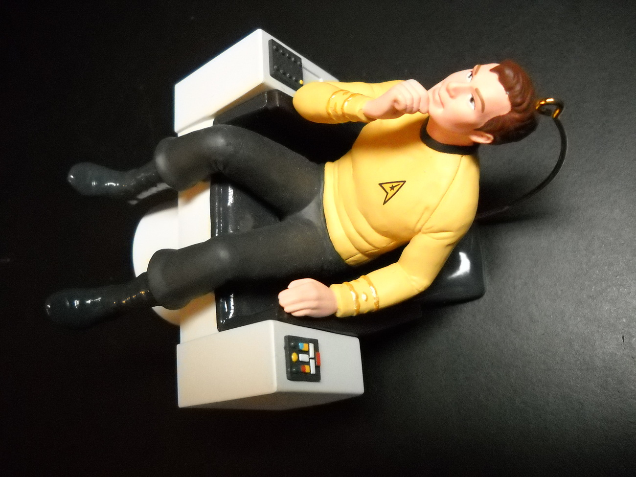 Primary image for Hallmark Keepsake Ornament Star Trek 1995 Captain James T Kirk Command Chair Box