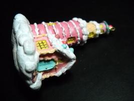 Carlton Cards Little Heirloom Treasures Lighting The Way A Confection Li... - $8.99