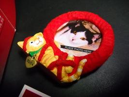 Hallmark Keepsake Ornament 2004 Special Cat Christmas Wreath Matching Ca... - $9.99