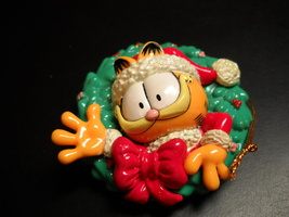 Matrix Paws Ornament 1996 Garfield's Trim A Tree Garfield in Christmas Wreath - $10.99
