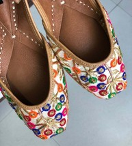 Women Ethnic Leather Shoes, Embroidery Footwear, Mojari, Indian Ethnic Shoes - £36.40 GBP