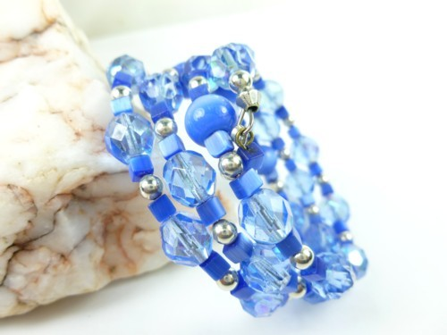 Royal blue cats eye faceted glass beaded memory wire bracelet ddc40f8e 1