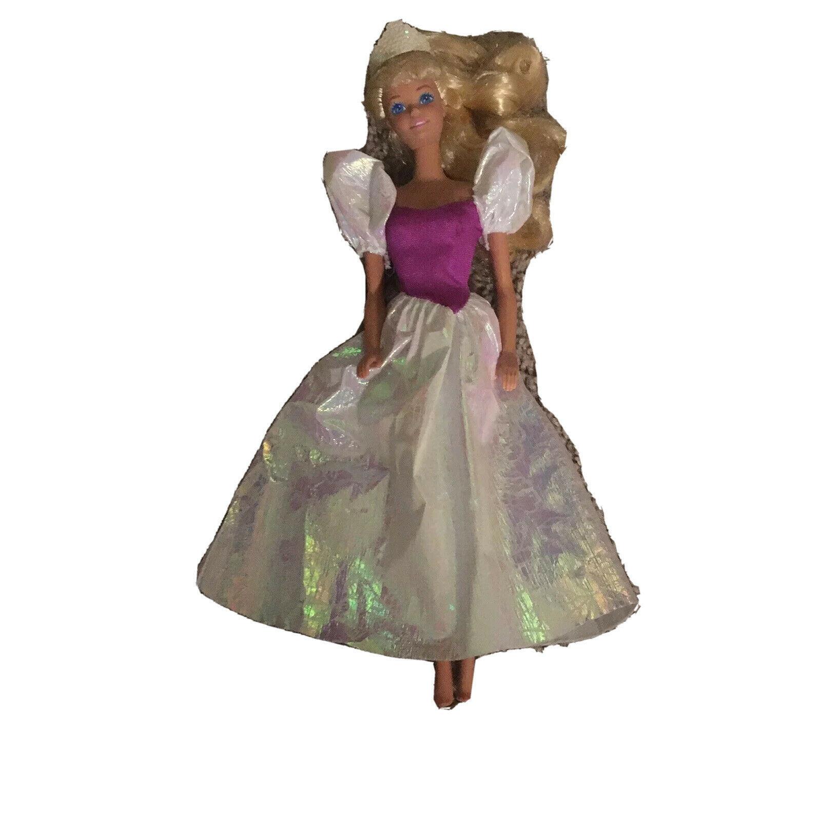 My First Barbie Doll Prettiest Princess Ever 1989 Mattel Vintage Irridecent - $11.13