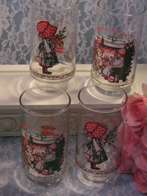Primary image for Vintage Holly Hobbie Coca Cola Christmas Character Glasses, Set of Four, 1970s