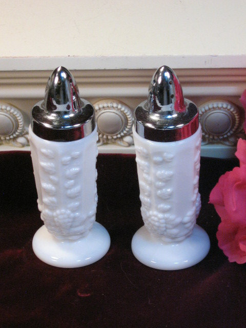 Primary image for Vintage Westmoreland Paneled Grape Milk Glass Salt Pepper Shakers, Elegant Glass