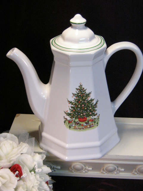 Primary image for Vintage Pfaltzgraff Christmas Tree Heritage Tall Coffee Pot, 1980s Christmas