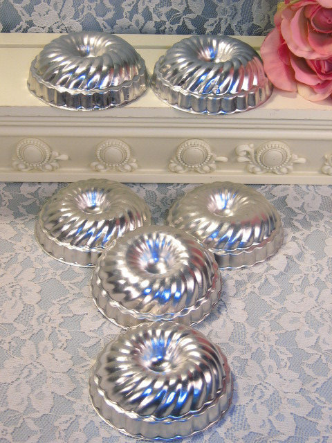 Primary image for Vintage Aluminum Jello, Pudding and Angel Food Cake mold Set 1960's, Like New