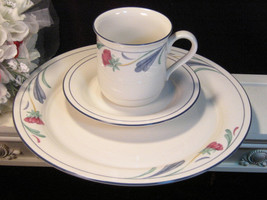 Lenox China Chinastone Poppies on Blue Dinner Plate Cup Saucer Set of Three - $24.99