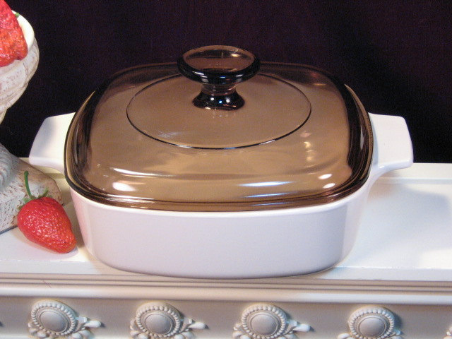 Vintage Corning Ware Beige Coupe 1 Liter Casserole, Brown Lid, Glass Cookware - $29.99
