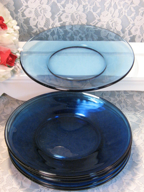 Primary image for Vintage Light Cobalt Blue Glass Lunch or Salad Plates Set of Four