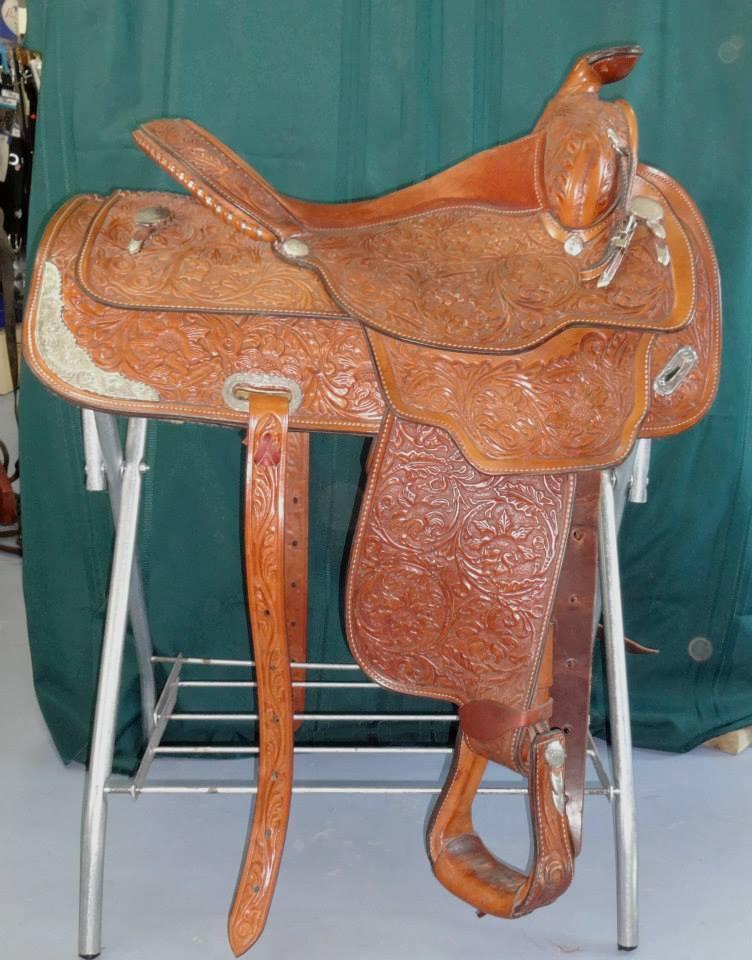 Circle Y Show Saddle 16 inch seat