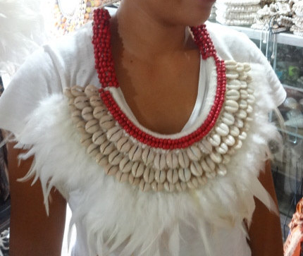 Primary image for Snow White Feather Shells Necklace With Red Beads Hand Woven Papuan Home Decor