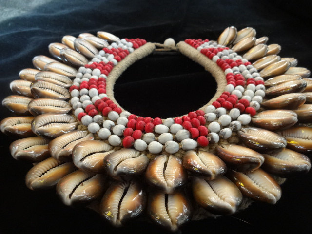 Primary image for Shell And Beads Necklace Papua New Guinea Fashion  Home Decor Interior Designer